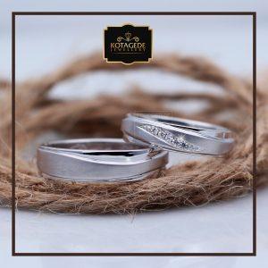 Cincin Kawin Atau Cincin Tunangan Palladium Emas Putih P082WG