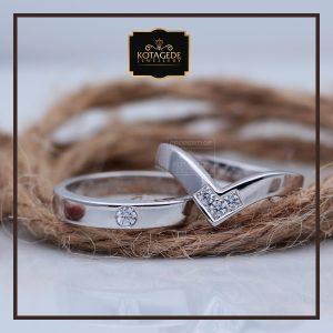 Cincin Kawin Atau Cincin Tunangan Palladium Emas Putih P083WG