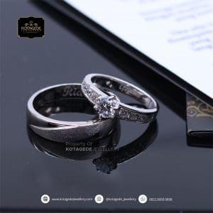 Cincin Kawin Tunangan Diamond Platinum Emas Putih PT0166WG
