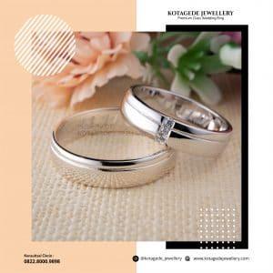 Cincin Kawin Tunangan Platinum Emas Putih Standar PT0243WG
