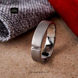 cincin tunangan untuk pria