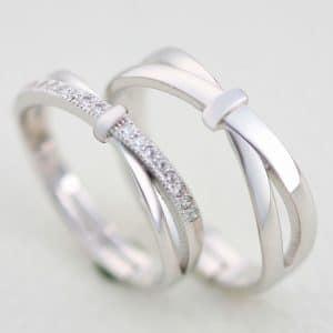 cincin putih motif silang