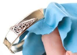 perawataan cincin platinum mudah