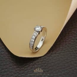 Cincin Kawin Tunangan Solitaire Emas Putih WG0301